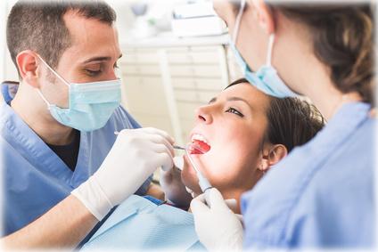 בדיקה אצל רופא השיניים